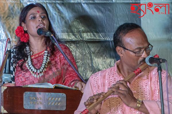 'চরণ ধরিতে দিওগো আমারে'…গানে মাতালেন জয়া সরকার